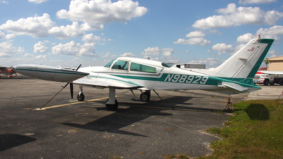 A picture of N98929 - Cessna 310R - [310R0653] - © Paul Chandler