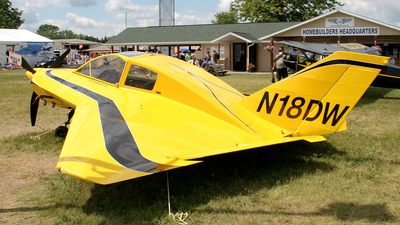 A picture of N18DW -  - [1093] - © Terry Figg