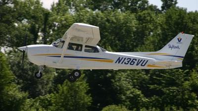 A picture of N136VU - Cessna 172R Skyhawk - [17281193] - © J. Scott Gerken