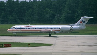 N1436A - Fokker 100 - American Airlines
