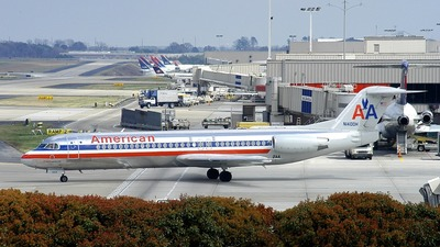N1400H - Fokker 100 - American Airlines