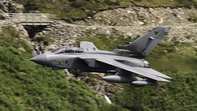 ZA562 - Panavia Tornado GR.4 - United Kingdom - Royal Air Force (RAF)