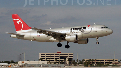 N366NB - Airbus A319-114 - Northwest Airlines