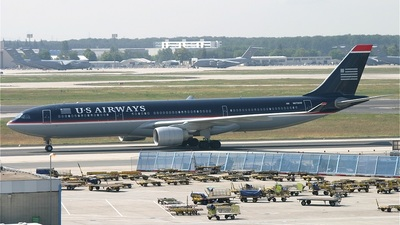 N672UW - Airbus A330-323 - US Airways