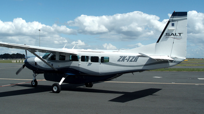 ZK-TZR - Cessna 208 Caravan - Salt Air