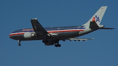N8067A - Airbus A300B4-605R - American Airlines