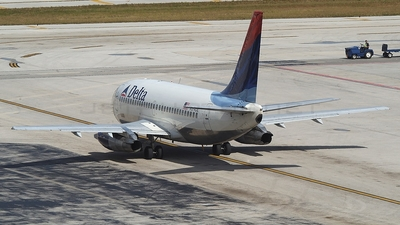 N374DL - Boeing 737-247(Adv) - Delta Air Lines