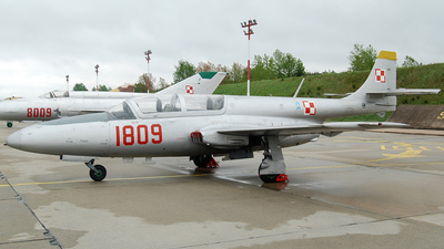 1809 - PZL-Mielec TS-11 Iskra - Poland - Air Force