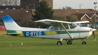 G-BYES - Cessna 172P Skyhawk II - Private