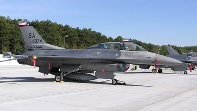 87-0374 - General Dynamics F-16D Fighting Falcon - United States - US Air Force (USAF)