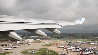 PH-AOC - Airbus A330-203 - KLM Royal Dutch Airlines