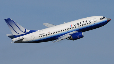 N922UA - Boeing 737-522 - United Airlines
