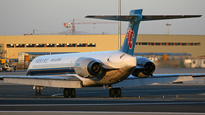 B-2261 - McDonnell Douglas MD-90-30 - China Southern Airlines