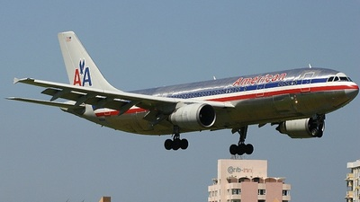 - Airbus A300B4-605R - American Airlines