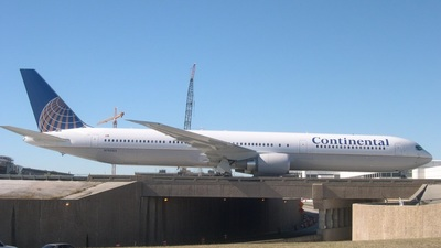 N76065 - Boeing 767-424(ER) - Continental Airlines