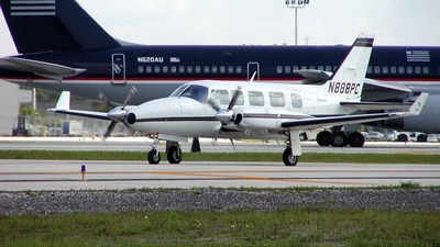 A picture of N888PC - Piper PA31350 - [318152086] - © William Jenkins