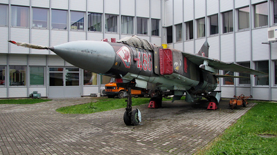 460 - Mikoyan-Gurevich MiG-23MF Flogger B - Poland - Air Force