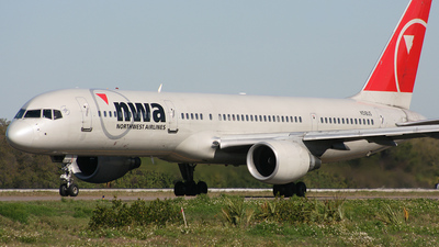 N518US - Boeing 757-251 - Northwest Airlines