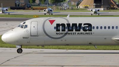 N915RW - McDonnell Douglas DC-9-31 - Northwest Airlines