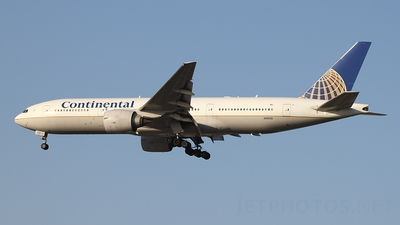 N76010 - Boeing 777-224(ER) - Continental Airlines