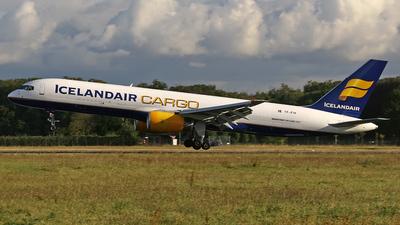 TF-FIH - Boeing 757-208(PCF) - Icelandair Cargo