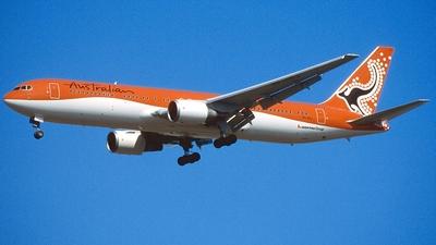 VH-OGJ - Boeing 767-338(ER) - Australian Airlines