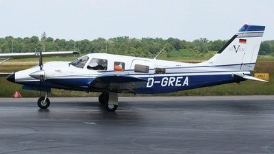 D-GREA - Piper PA-34-220T Seneca V - Private