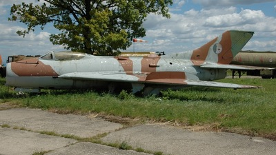 1323 - Mikoyan-Gurevich Mig-19 Farmer - Czech Republic - Air Force