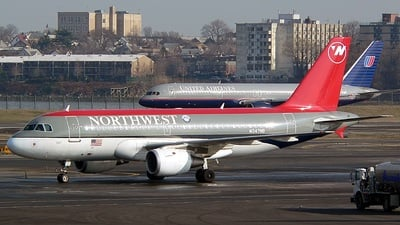 N347NB - Airbus A319-114 - Northwest Airlines