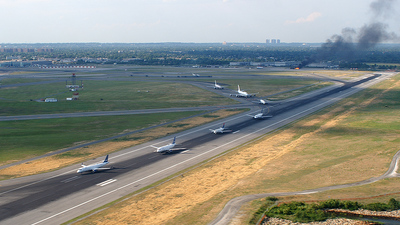 KJFK - Airport - Runway