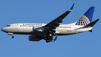N23708 - Boeing 737-724 - Continental Airlines