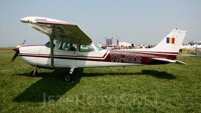A picture of YRSES - Cessna 172N Skyhawk - [17272983] - © Liviu Nicolescu - rospotters