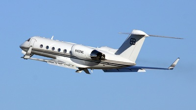 A picture of N422ML - Cessna 680 Citation Sovereign - [6800068] - © PeachAir