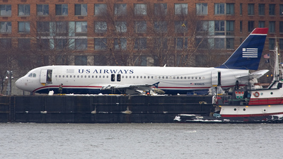 N106US - Airbus A320-214 - US Airways