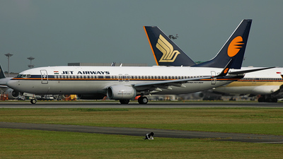 VT-JGG - Boeing 737-8FH - Jet Airways