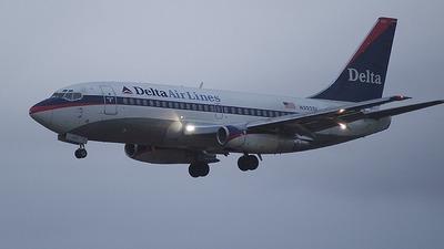 N322DL - Boeing 737-232(Adv) - Delta Air Lines