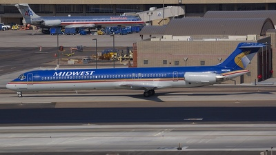 N812ME - McDonnell Douglas MD-81 - Midwest Airlines