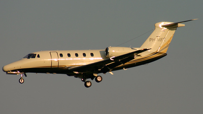 PH-MFX - Cessna 650 Citation VI - Solid Air