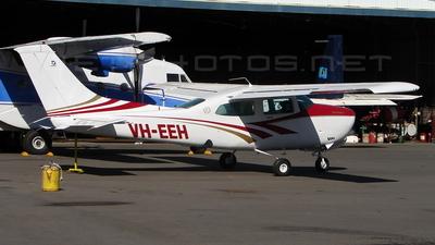 A picture of VHEEH - Cessna 210N Centurion - [21063868] - © DaveWilson