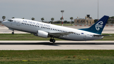 ZK-NGP - Boeing 737-33A - Air New Zealand