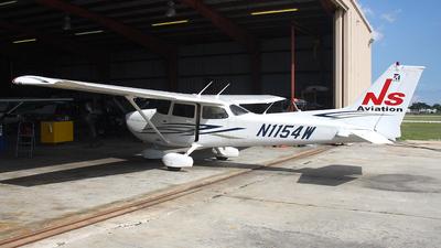 A picture of N1154W - Cessna 172S Skyhawk SP - [172S10608] - © Paul Chandler