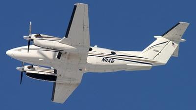 N11AB - Beechcraft 200 Super King Air - Private