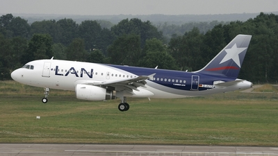 D-AVYX - Airbus A319-132 - LAN Airlines