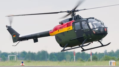 87-98 - MBB Bo105VBH - Germany - Army