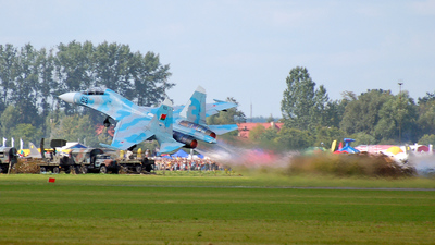 63 - Sukhoi Su-27UB Flanker C - Belarus - Air Force