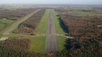 EBUL - Airport - Runway
