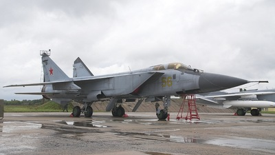 56 - Mikoyan-Gurevich MiG-31 Foxhound - Russia - Air Force