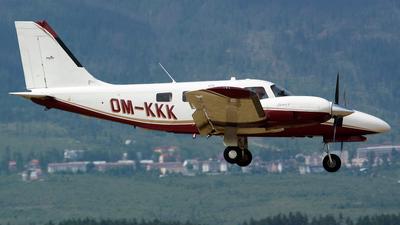 OM-KKK - Piper PA-34-220T Seneca V - Private