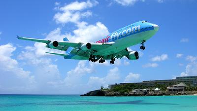 F-HKIS - Boeing 747-422 - Corsair