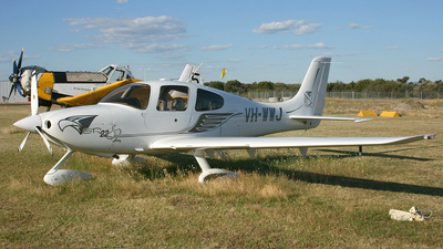 VH-WWJ - Cirrus SR22 - Private